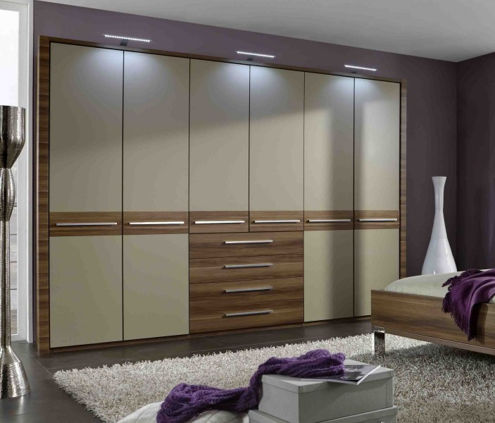 Wiemann Schlafzimmer Pasadena- Walnuss sahara - Massiva Möbel.de